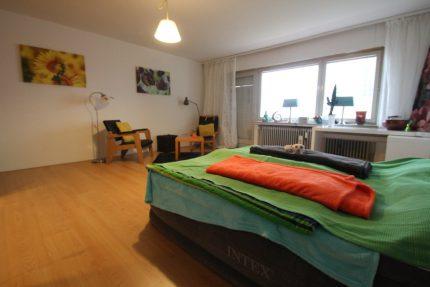 Wohn- && Schlafzimmer
